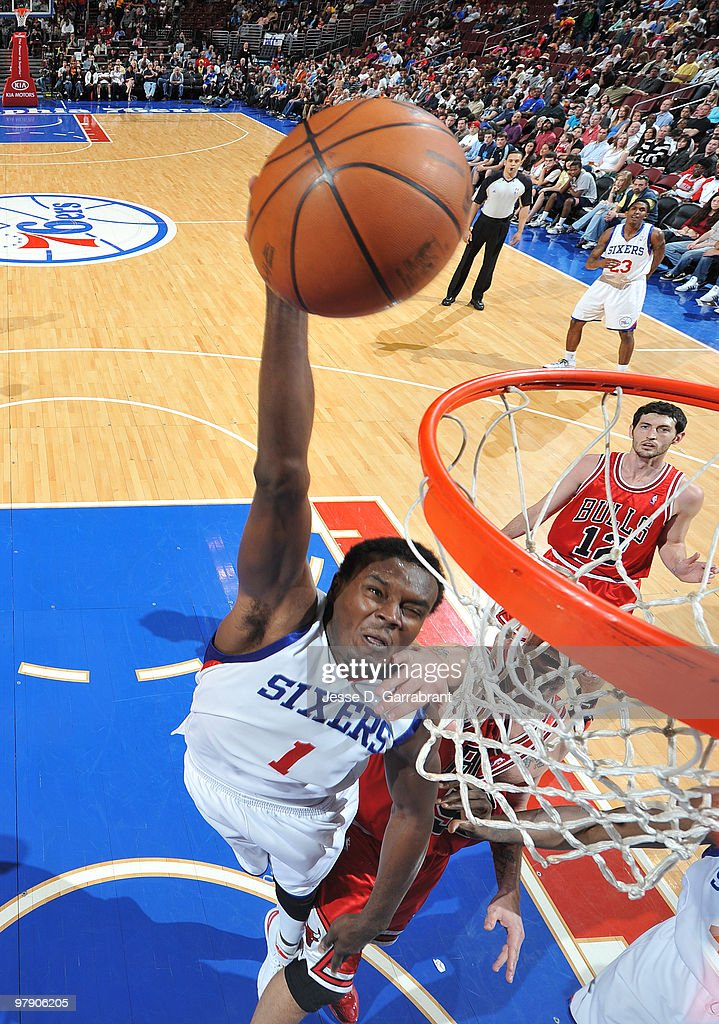 Samuel Dalembert #1 of the Philadelphia 76ers dunks against the Chicago Bulls during the game on March 20, 2010 at the Wachovia Center in Philadelphia, Pennsylvania.