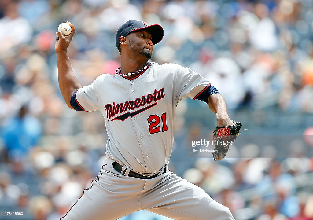 <a gi-track='captionPersonalityLinkClicked' href=/galleries/search?phrase=Samuel+Deduno&family=editorial&specificpeople=5734325 ng-click='$event.stopPropagation()'>Samuel Deduno</a> #21 of the Minnesota Twins in action against the New York Yankees at Yankee Stadium on July 13, 2013 in the Bronx borough of New York City. The Twins defeated the Yankees 4-1.