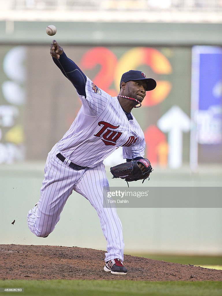 <a gi-track='captionPersonalityLinkClicked' href=/galleries/search?phrase=Samuel+Deduno&family=editorial&specificpeople=5734325 ng-click='$event.stopPropagation()'>Samuel Deduno</a> #21 of the Minnesota Twins pitches against the Oakland Athletics at Target Field on April 7, 2014 in Minneapolis, MN.