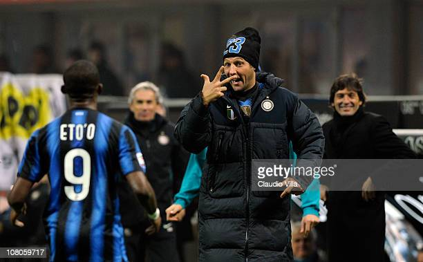 Samuel Eto'o and Marco Materazzi of FC Internazionale Milano celebrates scoring the fourth goal during the Serie A match between Inter and Bologna at...