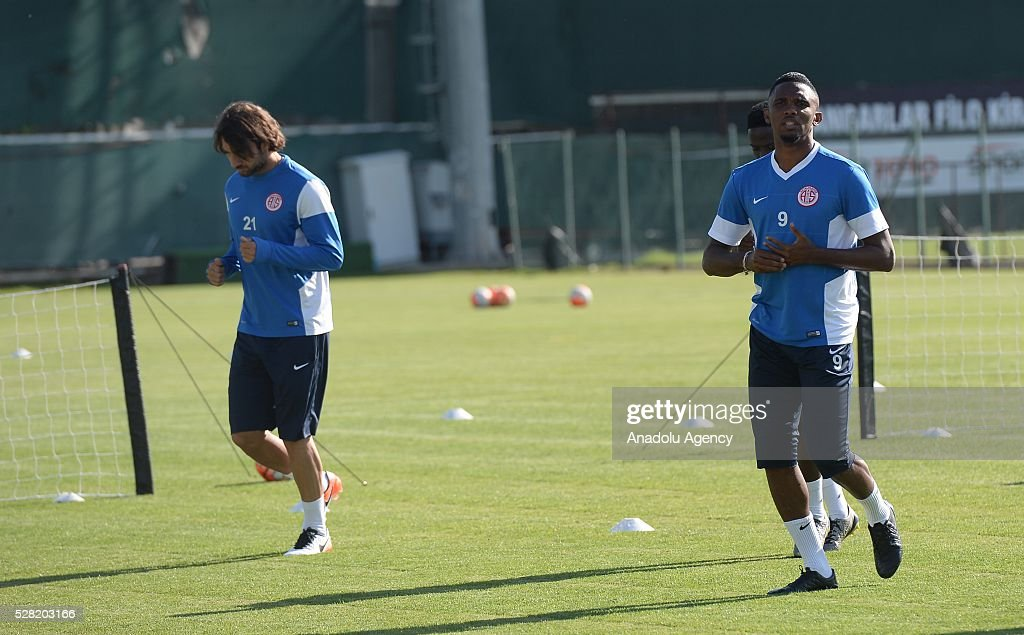 Samuel Eto'o (R) of Antalyaspor in action during a training session ahead of the Spor Toto Super Lig match between Antalyaspor and Mersin Idman Yurdu in Antalya, Turkey on May 4, 2016.