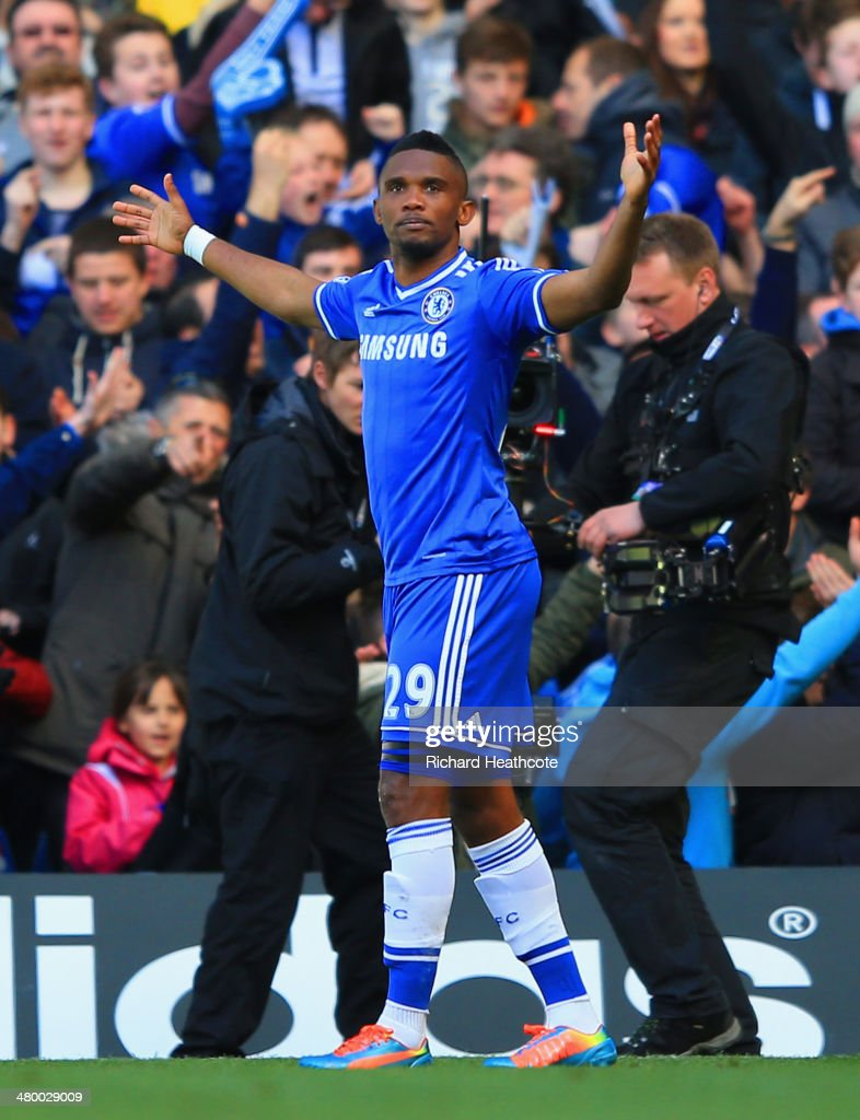 <a gi-track='captionPersonalityLinkClicked' href=/galleries/search?phrase=Samuel+Eto%27o&family=editorial&specificpeople=210530 ng-click='$event.stopPropagation()'>Samuel Eto'o</a> of Chelsea celebrates scoring the opening goal uring the Barclays Premier League match between Chelsea and Arsenal at Stamford Bridge on March 22, 2014 in London, England.