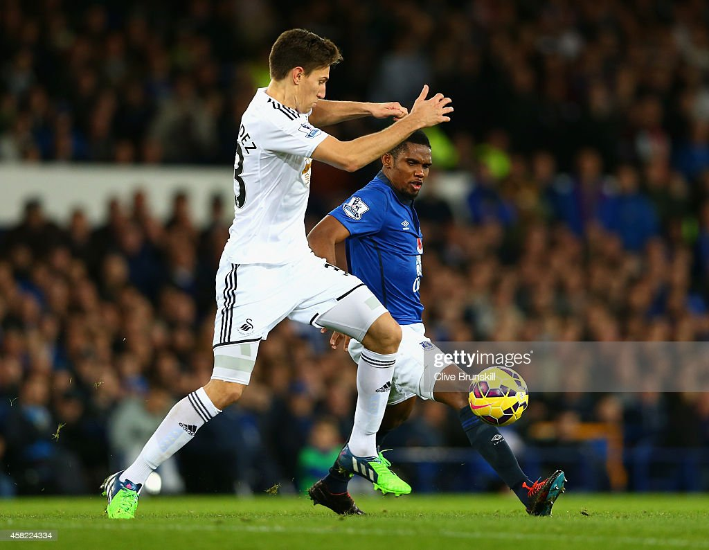 <a gi-track='captionPersonalityLinkClicked' href=/galleries/search?phrase=Samuel+Eto%27o&family=editorial&specificpeople=210530 ng-click='$event.stopPropagation()'>Samuel Eto'o</a> of Everton is tackled by Federico Fernandez of Swansea City during the Barclays Premier League match between Everton and Swansea City at Goodison Park on November 1, 2014 in Liverpool, England.
