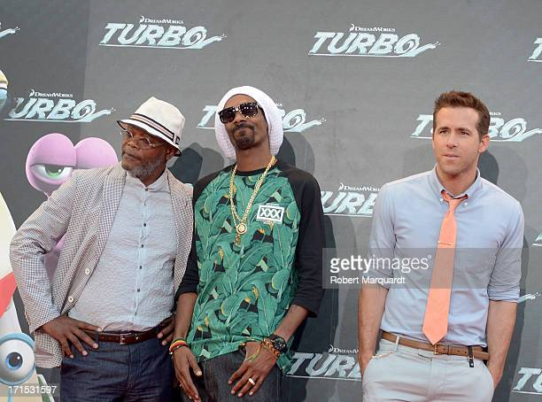 Samuel L Jackson Snoop Dogg and Ryan Reynolds attend the 'Turbo' premiere at the Centre de Convencions Internacional de Barcelona on June 25 2013 in...