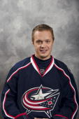 Samuel Pahlsson of the Columbus Blue Jackets poses for his official headshot for the 20092010 NHL season