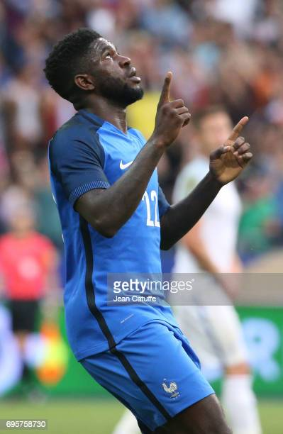 Samuel Umtiti of France celebrates his goal during the international friendly match between France and England at Stade de France on June 13 2017 in...