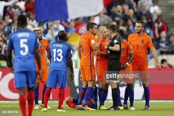 Samuel Umtiti of France Tonny Vilhena of Holland N Golo Kante of France Antoine Griezmann of France Kevin Strootman of Holland goalkeeper Jasper...