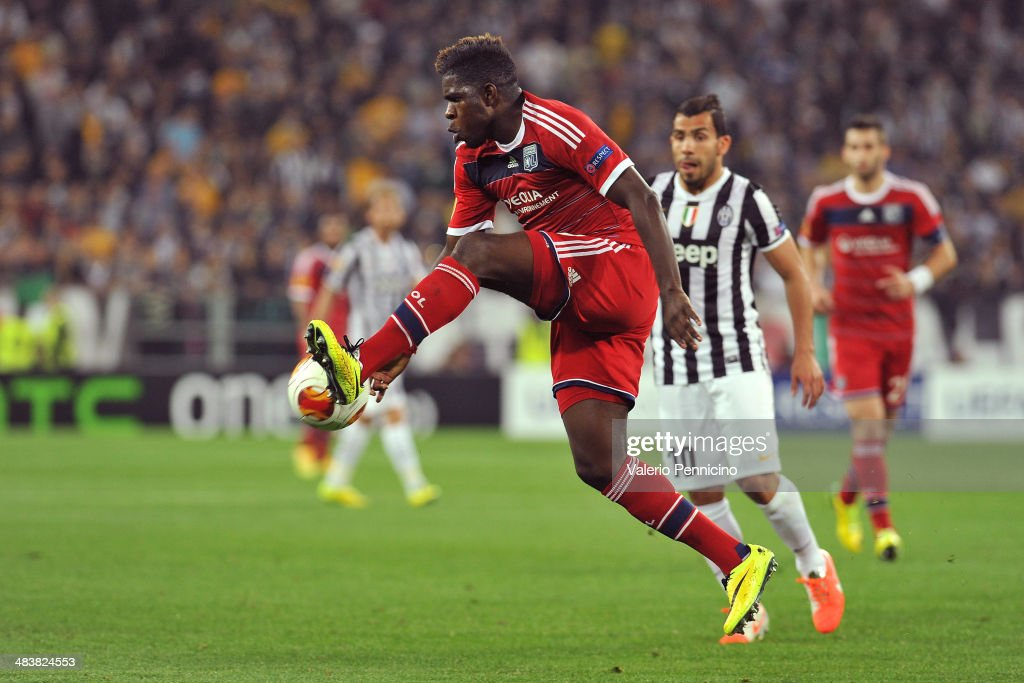 Samuel Umtiti of Olympique Lyonnais controls the ball during the UEFA Europa League quarter final match between Juventus and Olympique Lyonnais at Juventus Arena on April 10, 2014 in Turin, Italy.