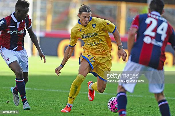 Samuele Longo of Frosinone Calcio in action during the Serie A match between Bologna FC and Frosinone Calcio at Stadio Renato Dall'Ara on September...