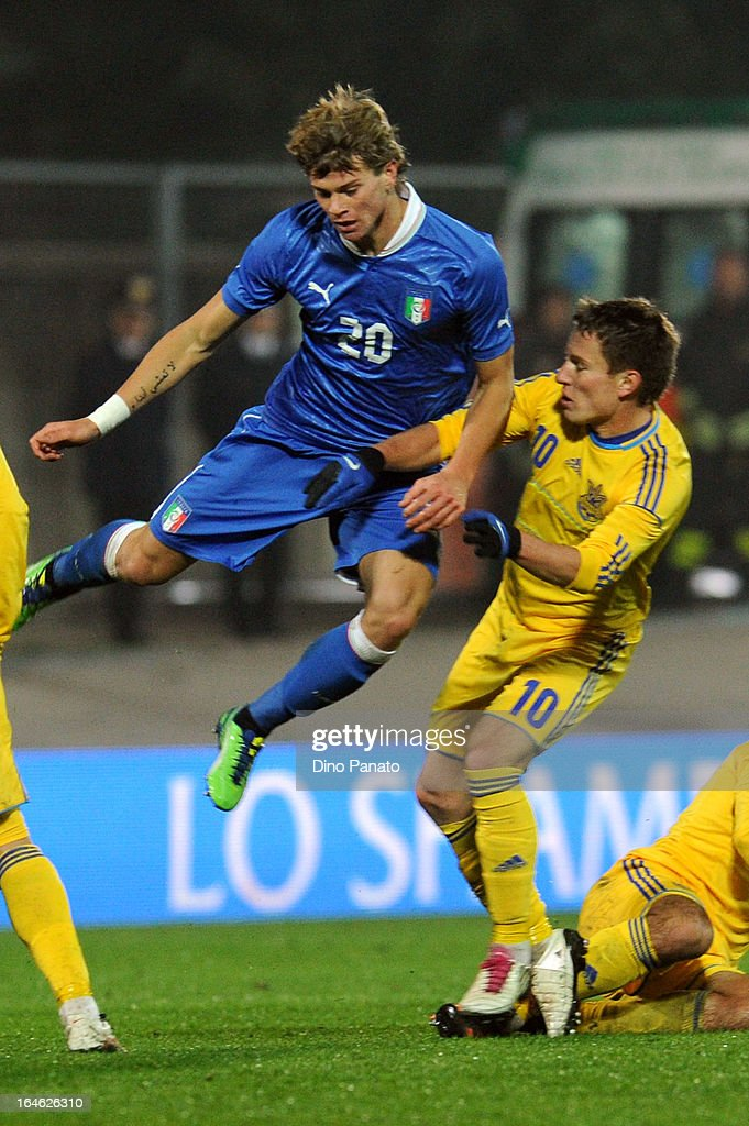 Samuele Longo (L) of Italy U21 competes with Babenko (R) of Ukraine U21 during the international friendly match between Italy U21 and Ukraine U21 at Stadio Rino Mercante on March 25, 2013 in Bassano del Grappa, Italy.