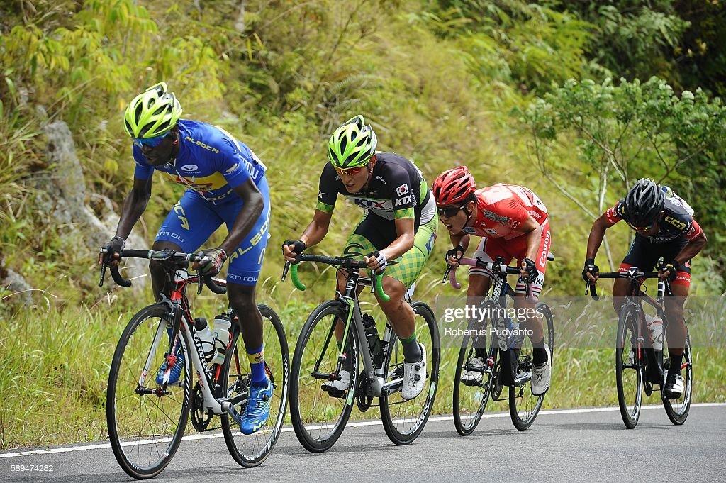 Samwel Mwangi of Kenyan Riders Downunder leads the peloton during stage eight of the 2016 Tour de Singkarak Bukittinggi Padang 146 km on August 14...