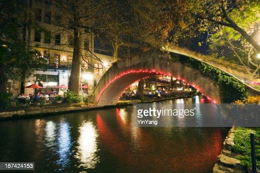 San Antonio Riverwalk Night Life, Sidewalk Cafes Along Texas River