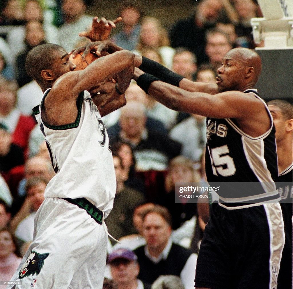 San Antonio Spurs Jerome Kersey slaps down an att