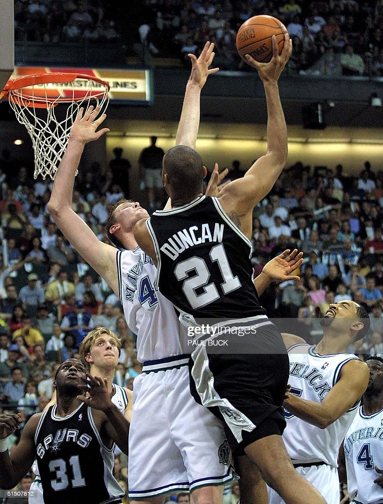 San Antonio Spurs Tim Duncan 21 dunks over Shaw