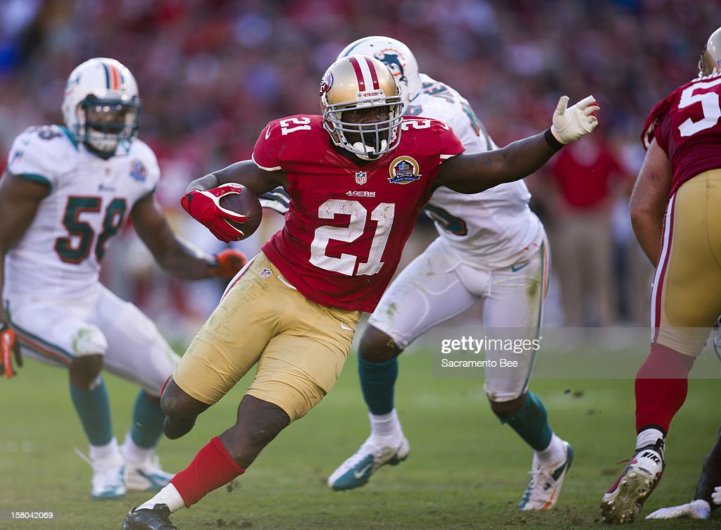 San Francisco 49ers running back Frank Gore (21) runs to the one yard line for a first down on a 11 yard run in the fourth quarter against the Miami Dolphins at Candlestick Park in San Francisco, California, on Sunday, December 9, 2012. The San Francisco 49ers defeated the Miami Dolphins, 27-13.