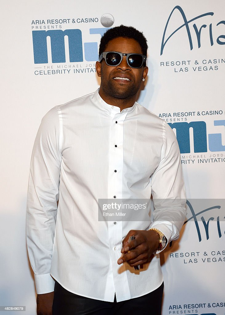 San Francisco 49ers wide receiver <a gi-track='captionPersonalityLinkClicked' href=/galleries/search?phrase=Michael+Crabtree&family=editorial&specificpeople=4650635 ng-click='$event.stopPropagation()'>Michael Crabtree</a> arrives at the 13th annual Michael Jordan Celebrity Invitational gala at the ARIA Resort & Casino at CityCenter on April 4, 2014 in Las Vegas, Nevada.