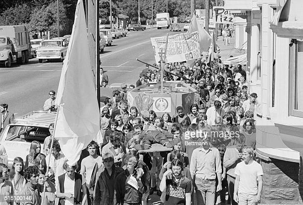 San Francisco California In their determination to kill off the hippies the 'flower children' of the HaightAshbury district held their 2nd funeral...