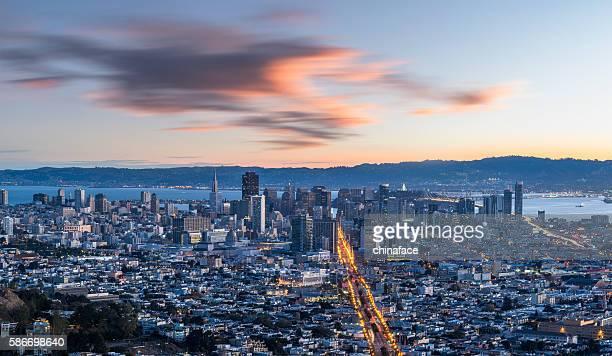 Paesaggio urbano di San Francisco notturno