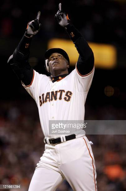 San Francisco Giants Barry Bonds after hitting his 702nd home run of his career of Los Angeles Dodgers pitcher Odalis Perez September 24 2004 at SBC...