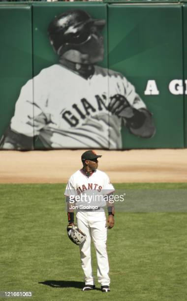 San Francisco Giants Barry Bonds in front of Barry Bonds during game with the Los Angeles Dodgers Sunday September 26 2004 at SBC Park in San...