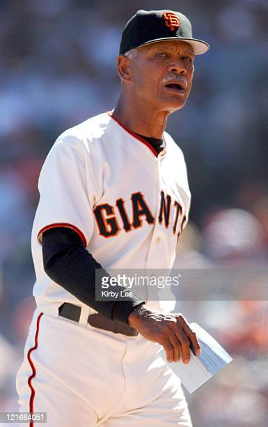 San Francisco Giants manager Felipe Alou during 21 victory over the New York Mets at SBC Park in San Francisco Calif on Saturday August 27 2005