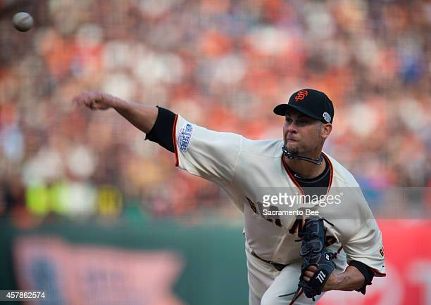 San Francisco Giants starting pitcher Ryan Vogelsong works in the first inning against the Kansas City Royals during Game 4 of the World Series at...