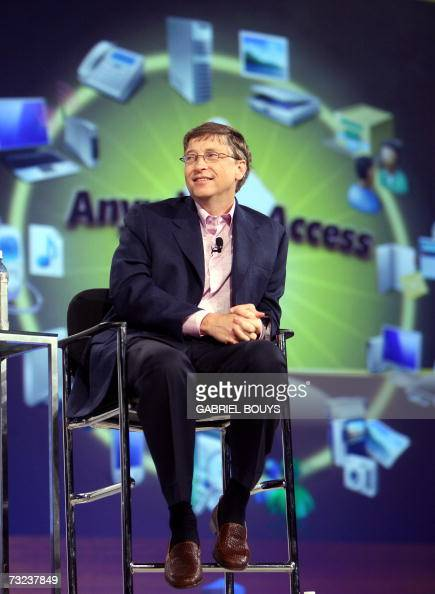 Bill Gates of Microsoft gives the opening keynote at the RSA conference at the Moscone Center 06 February 2007 in San Francisco California RSA is the...