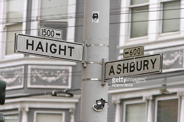 TO GO WITH A STORY by Zachary Slobig LifestyleUSSixties The corner of Haight and Ashbury marks the center of the famous HaightAshbury district of San...