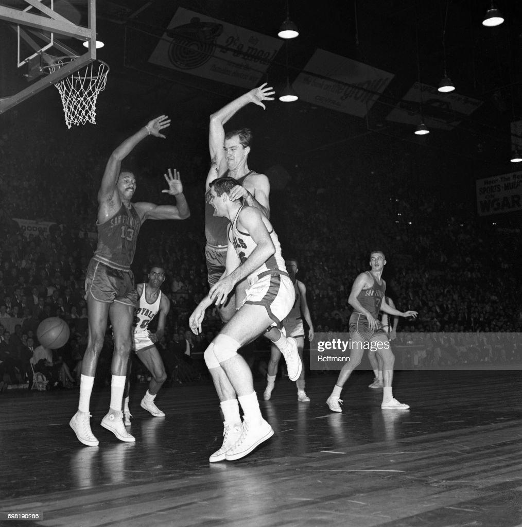 Basketball Action Warriors Vs Royals