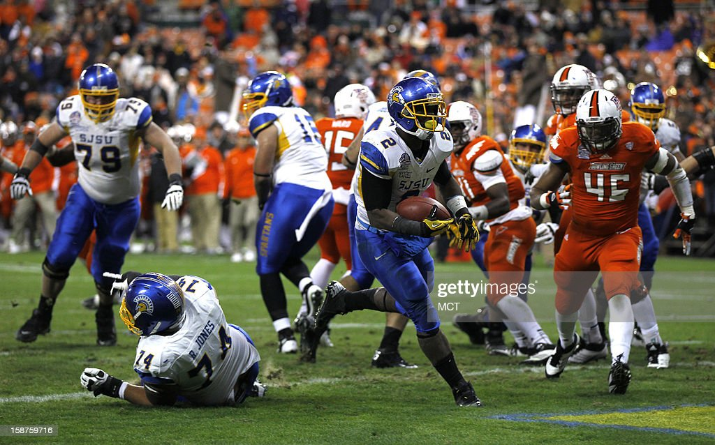 San Jose running back De'Leon Eskridge (2) runs for a 1-yard touchdown against Bowling Green during the fourth quarter of the Military Bowl at RFK Stadium in Washington, Thursday, December 27, 2012. San Jose State defeated Bowling Green 29-20.