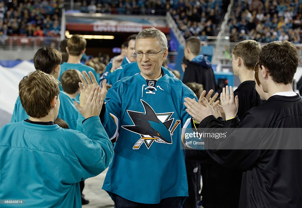 San Jose Sharks alumni <a gi-track='captionPersonalityLinkClicked' href=/galleries/search?phrase=Igor+Larionov&family=editorial&specificpeople=201768 ng-click='$event.stopPropagation()'>Igor Larionov</a> walks out on the field before the 2015 Coors Light NHL Stadium Series game between the Los Angeles Kings and the San Jose Sharks at Levi's Stadium on February 21, 2015 in Santa Clara, California.