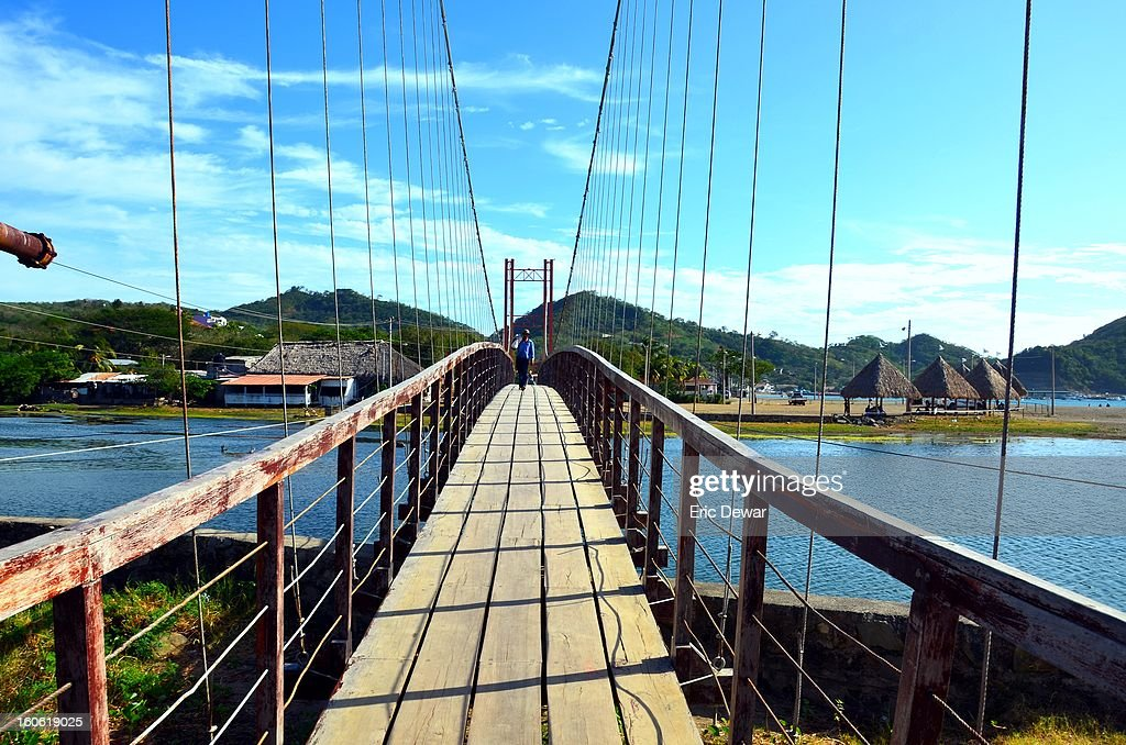 CONTENT] San Juan del Sur, Nicaragua. This is a copy of the beautiful Golden Gate Bridge right here in Nicaragua. The photograph shows the amazing waters and ocean off the coast of Nicaragua. The colours are beautiful!