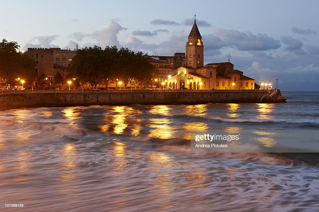 San Lorenzo beach in Gijon, Spain : Stock Photo