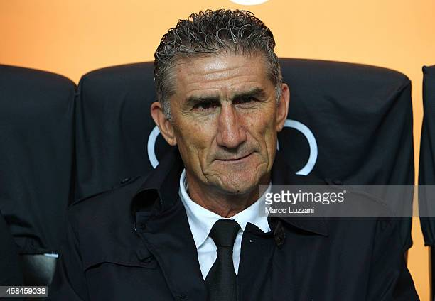 San Lorenzo coach Edgardo Bauza looks on before Luigi Berlusconi Trophy at Stadio Giuseppe Meazza on November 5 2014 in Milan Italy