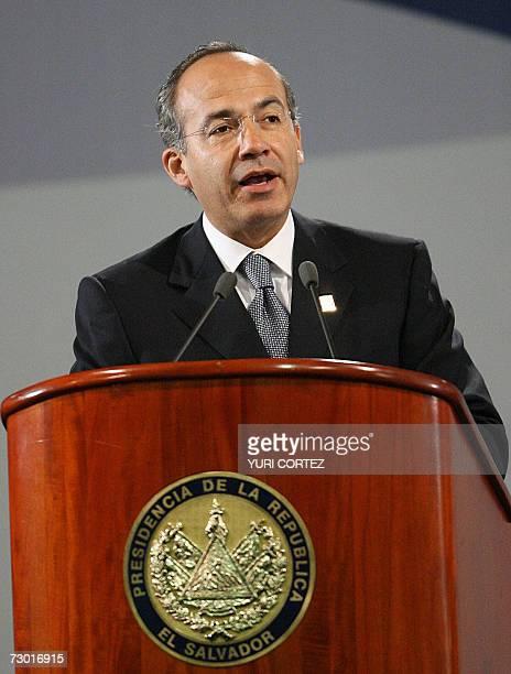 El presidente de Mexico Felipe Calderon pronuncia un discurso durante su participacion como invitado especial en un acto de conmemoracion del...