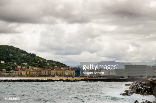 San Sebastián's Zurriola Beach : Stock Photo