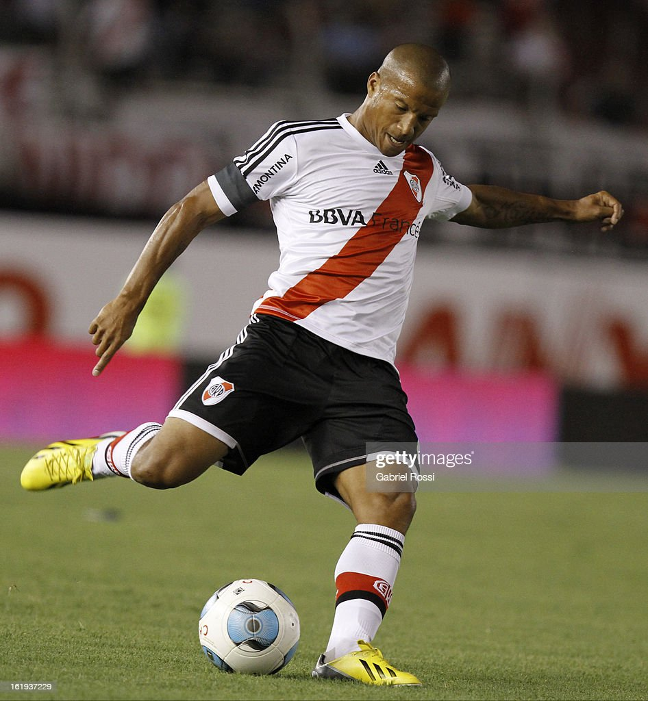 Sanchez of River Plate during the match between River Plate and Estudiantes of Torneo Final 2013 on February 17, 2013 in Buenos Aires, Argentina.