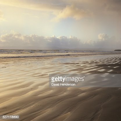 Sand ridges on beach : Bildbanksbilder