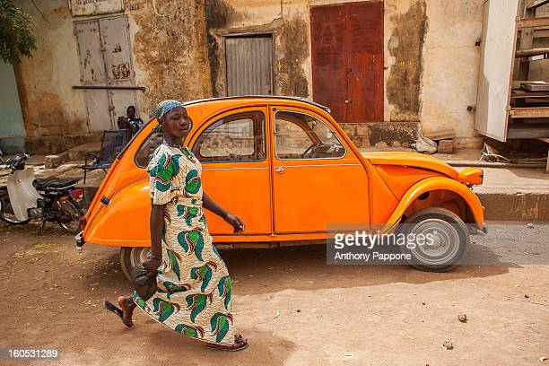 CONTENT] sand the streets of the city Segou with citroen 2cv sahel mali