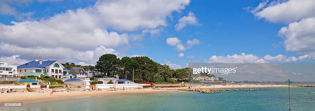 Sandbanks Beach and luxury homes, : Stock Photo