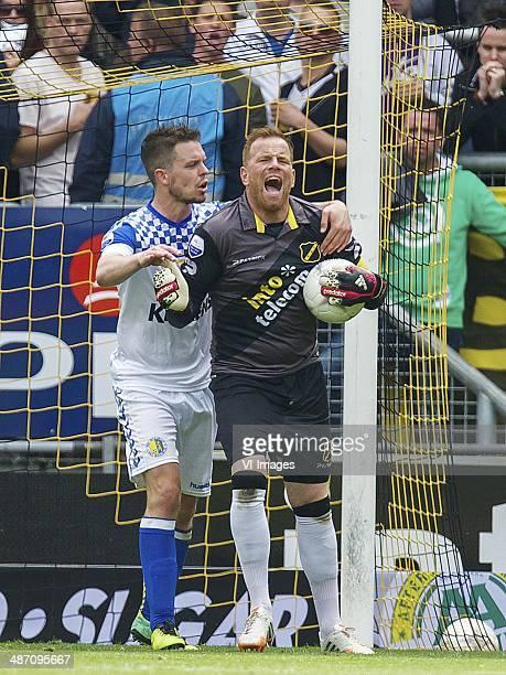 Sander Duits of RKC Waalwijk goalkeeper Jelle ten Rouwelaar of NAC Breda during the Dutch Eredivisie match between NAC Breda and RKC Waalwijk at Rat...