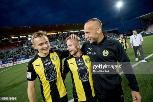Sander Svendsen celebrates with teammates during the Allsvenskan match between Orebro SK and Hammarby IF at Behrn Arena on August 21 2017 in Orebro...
