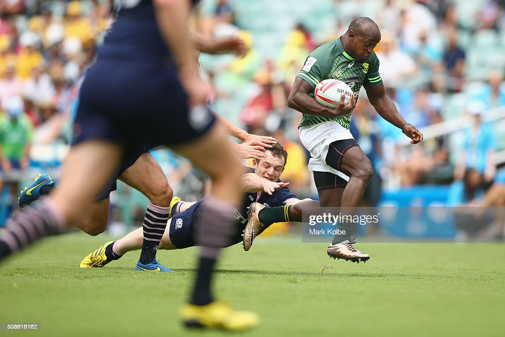 Sandile Ngcobo of South Africa breaks away to score a try during the 2016 Sydney Sevens match between South Africa and Scotland at Allianz Stadium on February 6, 2016 in Sydney, Australia.