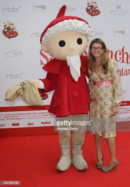 Sandmaennchen figure and actress Anke Engelke attend the Das Sandmaennchen premiere on September 19 2010 in Berlin Germany The movie Das...