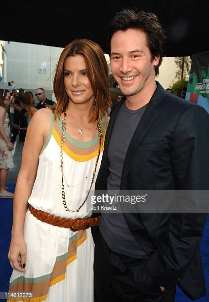 Sandra Bullock and Keanu Reeves during 2006 MTV Movie Awards Red Carpet at Sony Studios in Culver City California United States