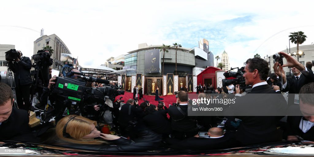<a gi-track='captionPersonalityLinkClicked' href=/galleries/search?phrase=Sandra+Bullock&family=editorial&specificpeople=202248 ng-click='$event.stopPropagation()'>Sandra Bullock</a> arrives at the 86th Annual Academy Awards at the Hollywood & Highland Center on March 2, 2014 in Hollywood, California.