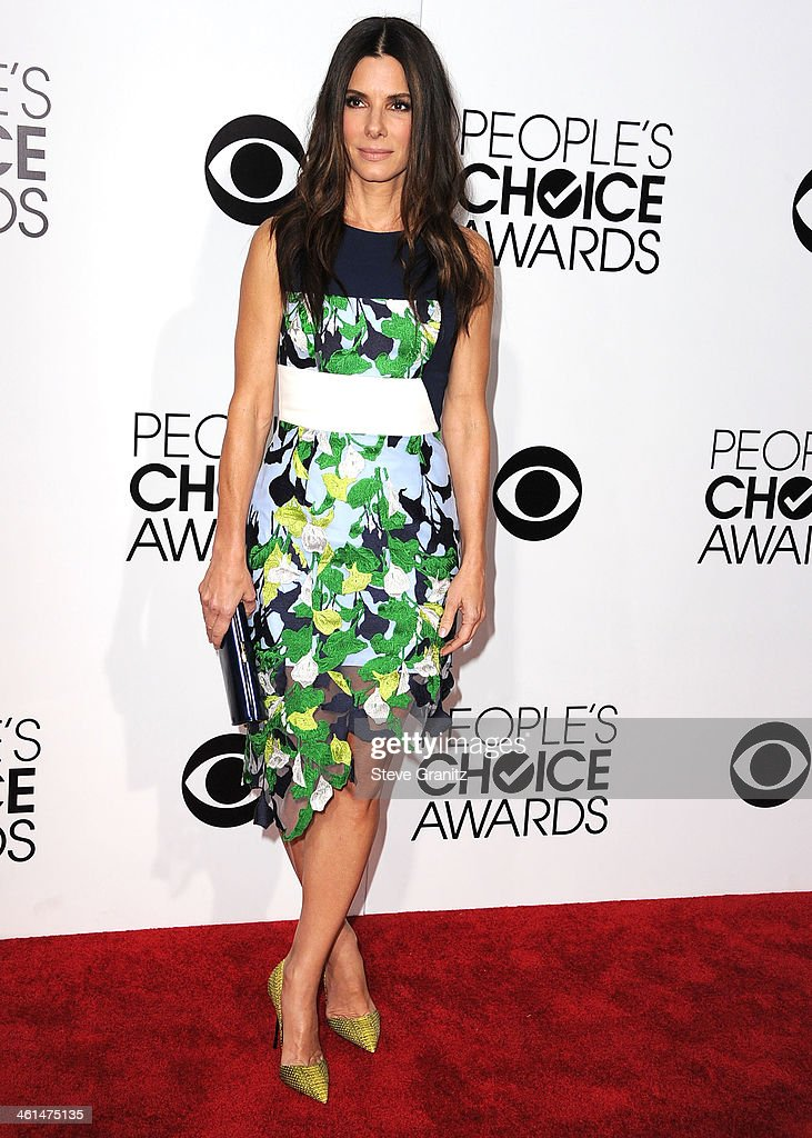 Sandra Bullock arrives at the The 40th Annual People's Choice Awards at Nokia Theatre LA Live on January 8 2014 in Los Angeles California