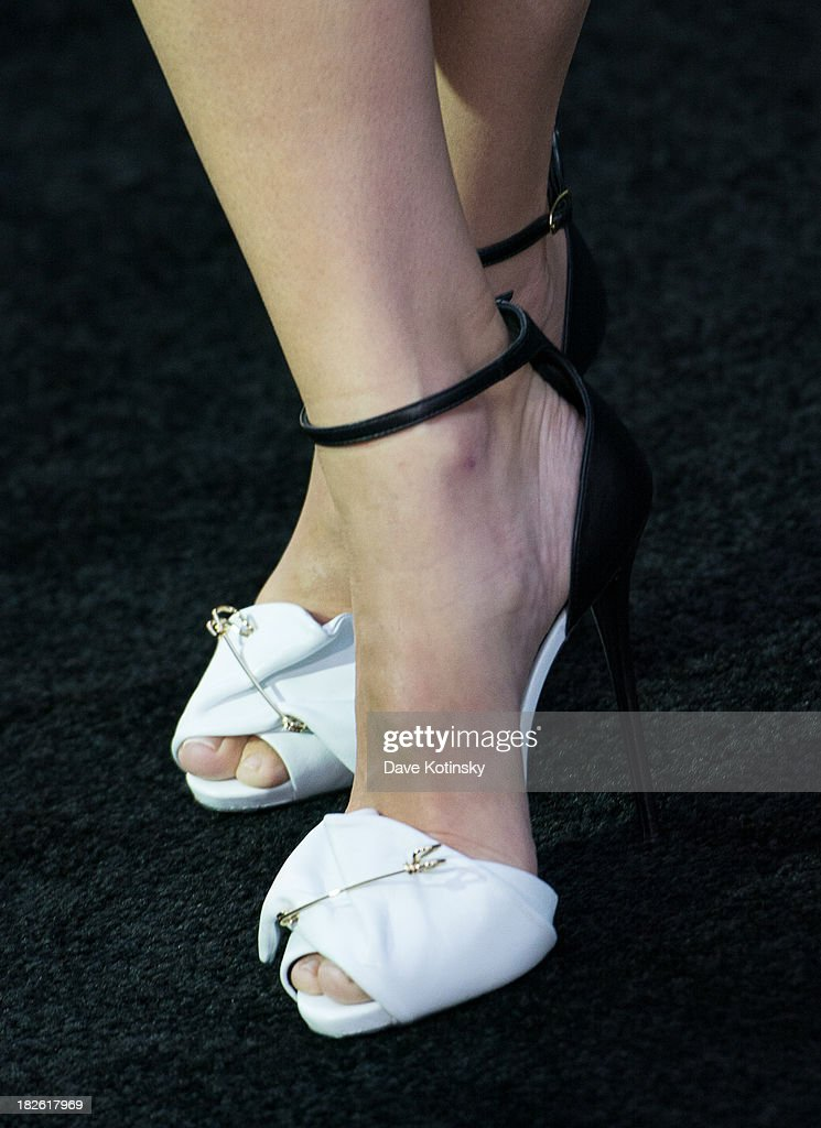 Sandra Bullock (Shoe Detail) attends at the 'Gravity' premiere at AMC Lincoln Square Theater on October 1, 2013 in New York City.