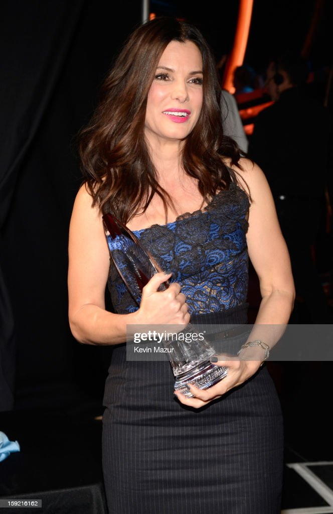 <a gi-track='captionPersonalityLinkClicked' href=/galleries/search?phrase=Sandra+Bullock&family=editorial&specificpeople=202248 ng-click='$event.stopPropagation()'>Sandra Bullock</a> backstage during 2013 People's Choice Awards at Nokia Theatre L.A. Live on January 9, 2013 in Los Angeles, California.