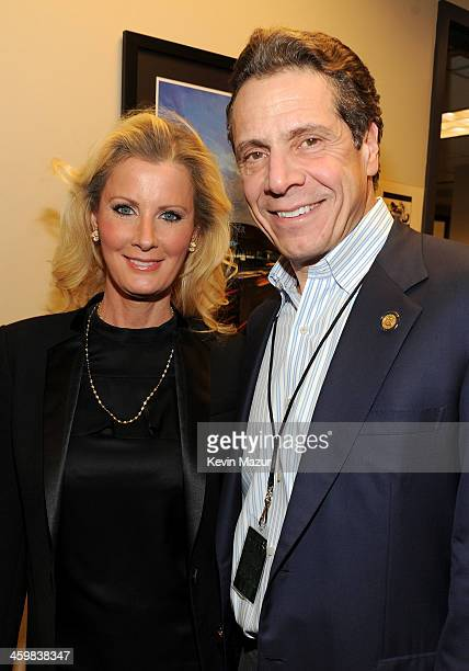 Sandra Lee and New York Governor Andrew Cuomo pose backstage at the Billy Joel New Year's Eve Concert at the Barclays Center of Brooklyn on December...